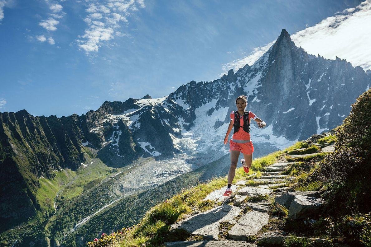Imagem da corredora Mira Rai numa corrida de treino em Chamonix, França