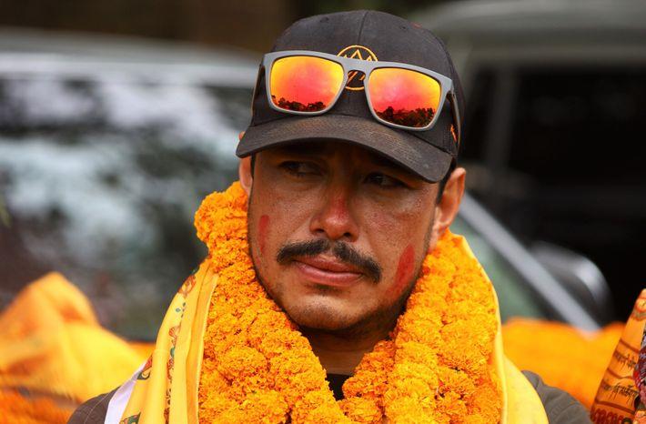 Para Nirmal Purja, e para os outros nove alpinistas nepaleses que chegaram consigo ao topo, conquistar ...