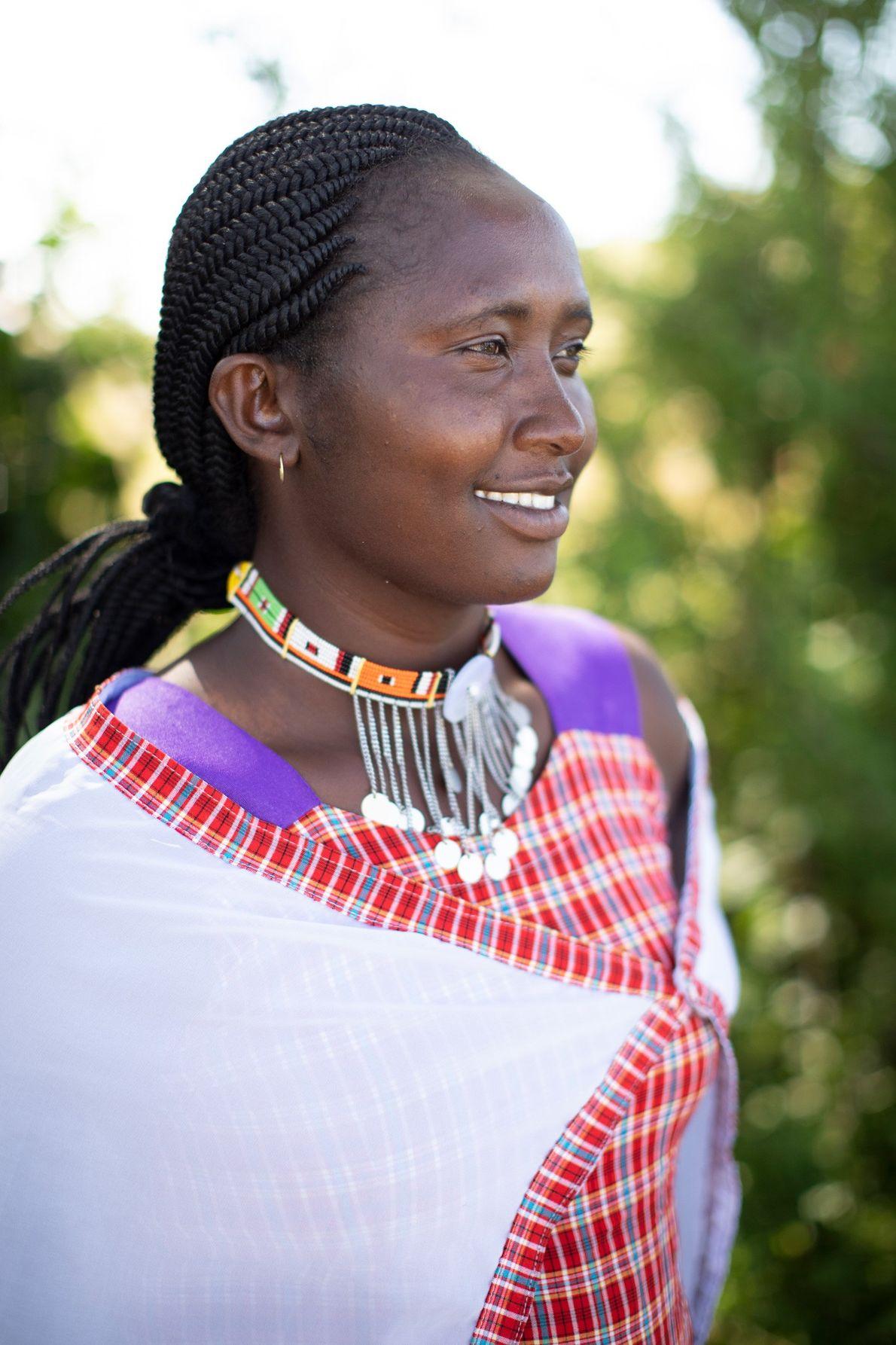 Lorna Naisai, da aldeia Enoolpyl, cresceu com uma paixão pela vida selvagem e pelos ecossistemas. Com ...