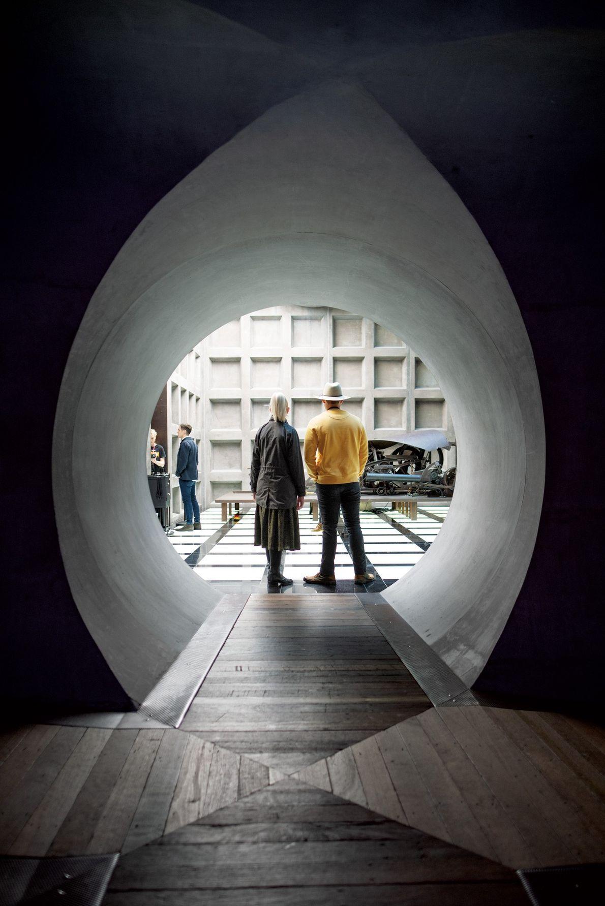 As salas subterrâneas do Museu de Arte Antiga e Moderna (MONA) exibem a coleção particular de ...