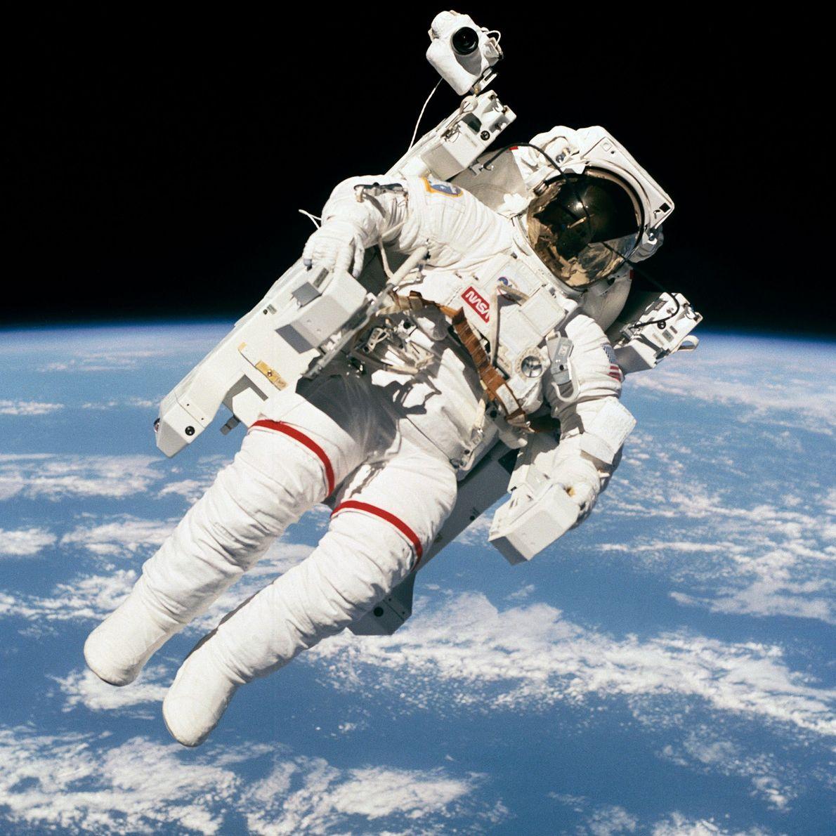 Astronauta Bruce McCandless no Espaço