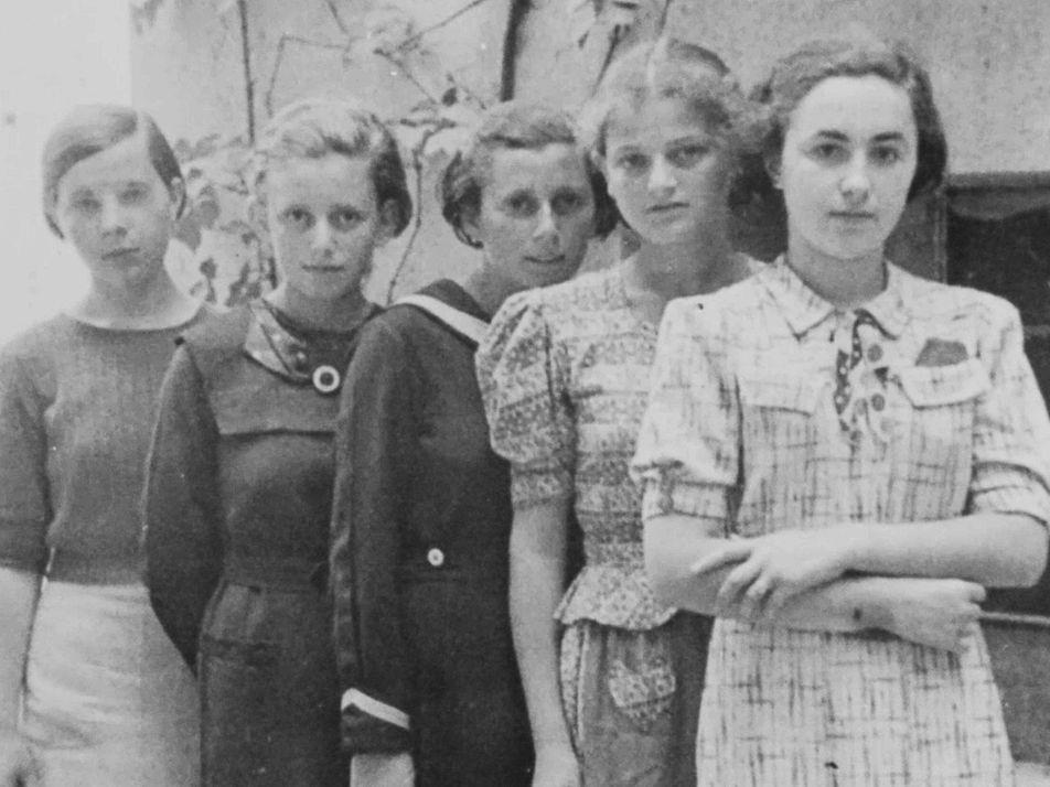 As 999 Raparigas no Primeiro Transporte de Judeus para Auschwitz