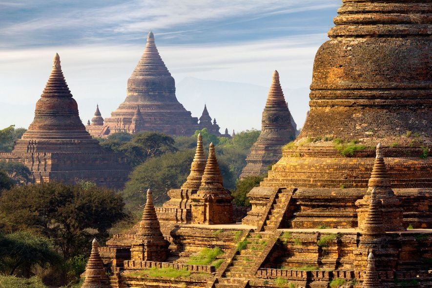 BAGAN, BIRMÂNIA – A antiga capital real de Bagan era originalmente o lar de cerca de ...