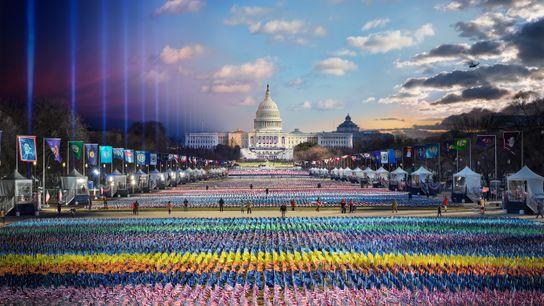 Uma montagem fotográfica capta todo o dia histórico da posse do presidente Joe Biden em 2021, ...