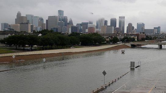 No dia 27 de agosto de 2017, a cidade de Houston, com a autoestrada 288 inundada, ...