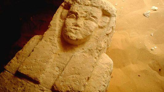 Descoberta: Três Túmulos Antigos Revelados no Egito