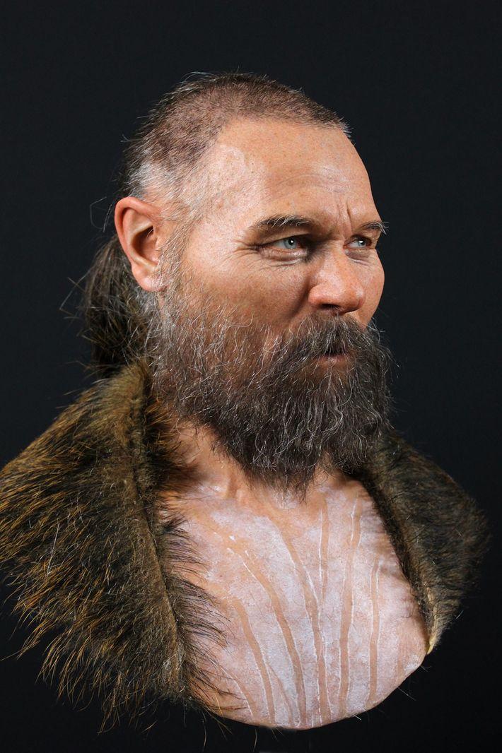 O crânio parcial utilizado para reconstruir o rosto deste homem foi encontrado juntamente com outros crânios ...