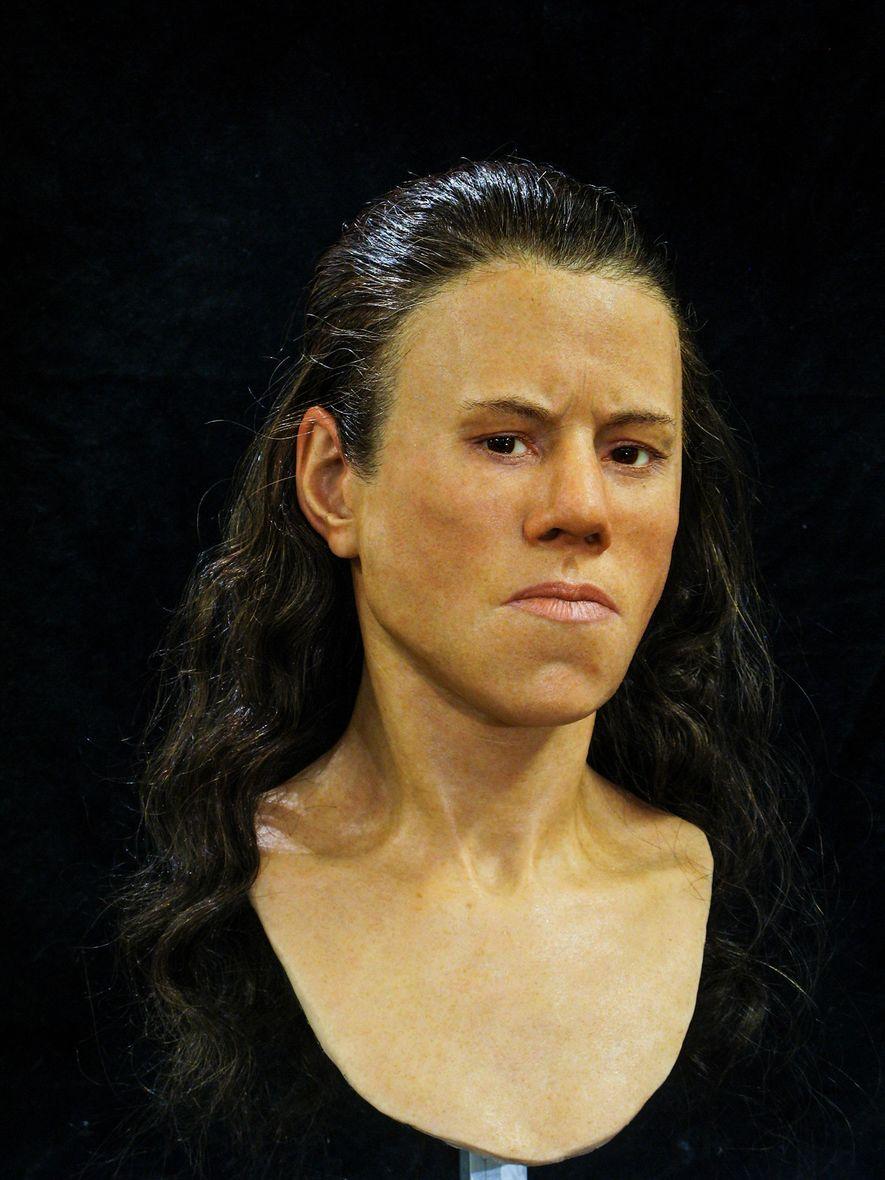Reconstrução facial adolescente 9000 anos