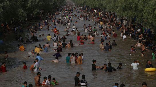 Temperaturas de 47 graus Celsius em Lahora, no Paquistão.