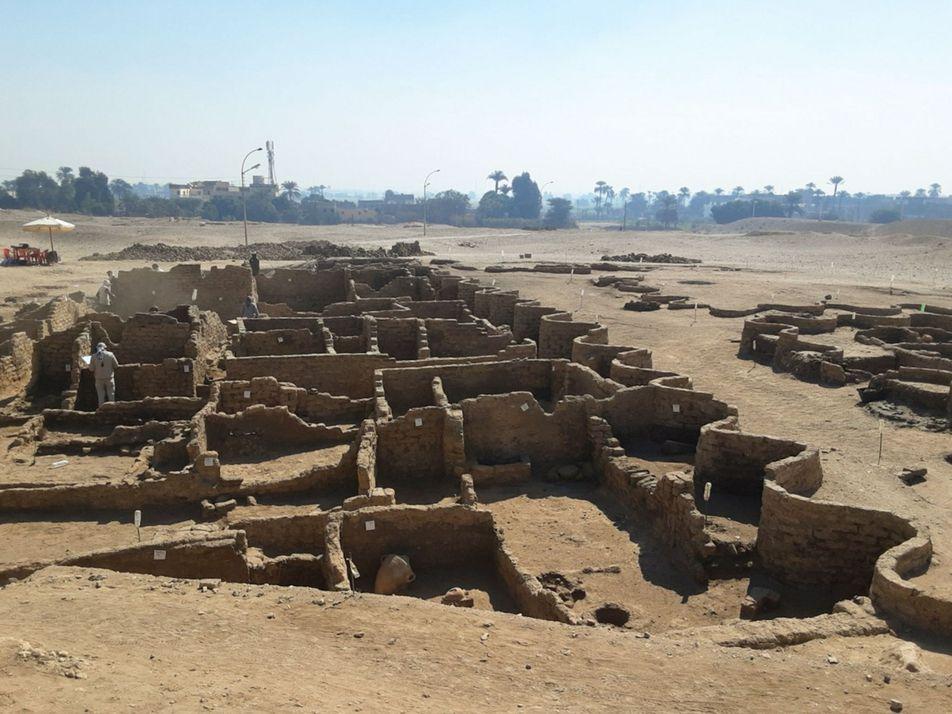 'Cidade perdida de Luxor' descoberta por arqueólogos no Egito