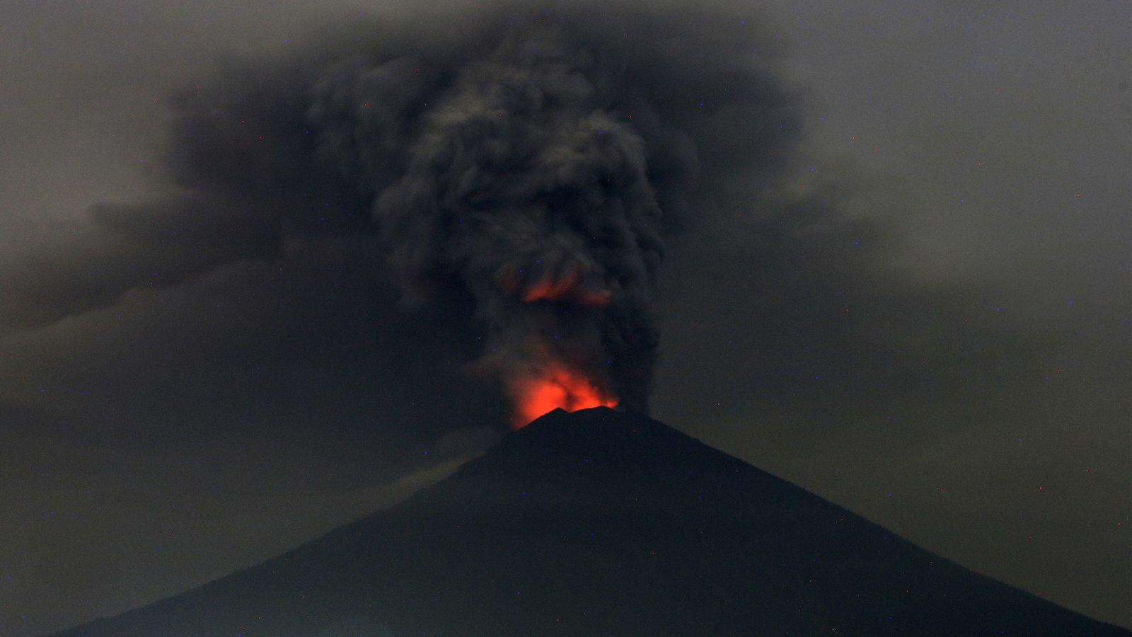 A Erupção do Vulcão de Bali