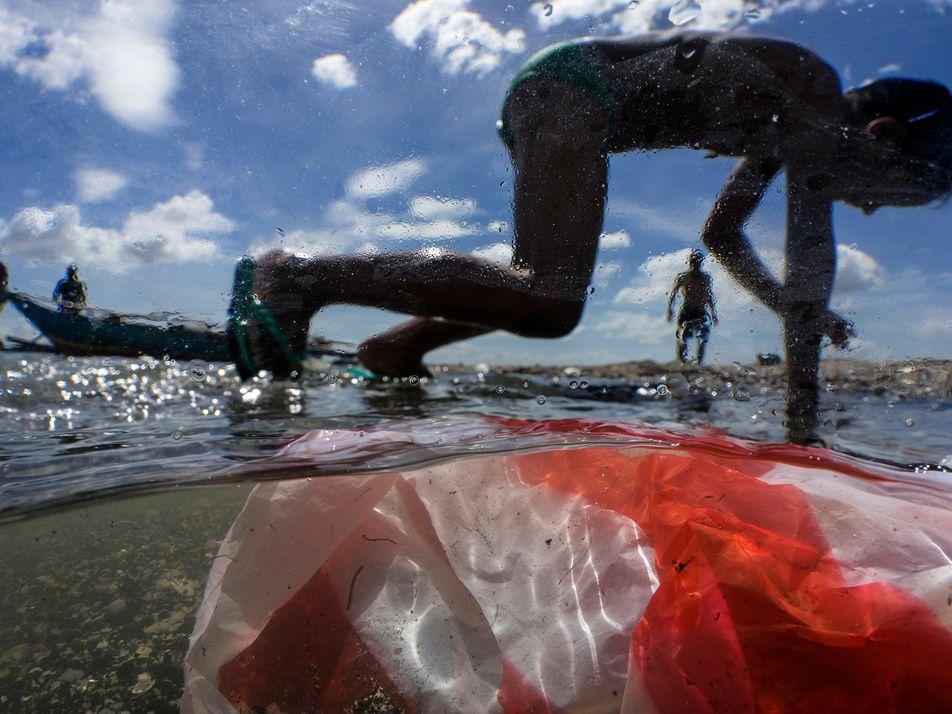 Sem Medidas Drásticas, o Lixo Plástico que Flui Para os Mares Pode Triplicar até 2040