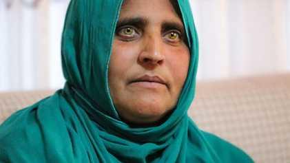 Sharbat Gula, a 'Rapariga Afegã', Regressa a Casa