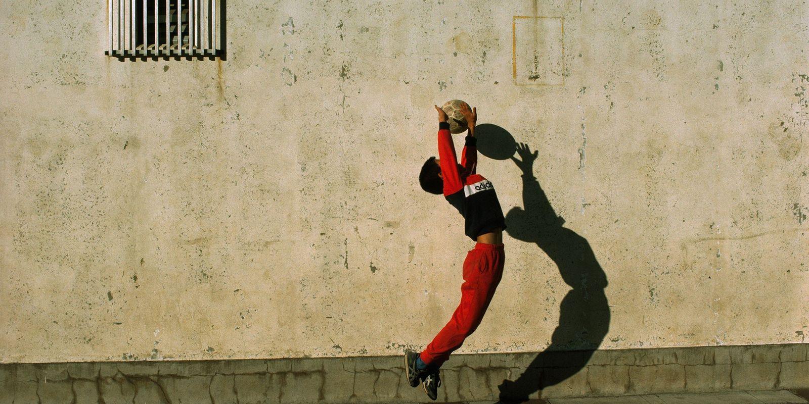 Fotografias Vintage que Ilustram a Paixão Mundial pelo Futebol