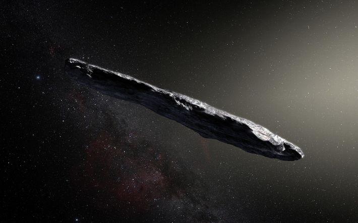 Esta representação artística mostra o 'Oumuamua, o primeiro objeto interestelar de que há conhecimento, a atravessar ...