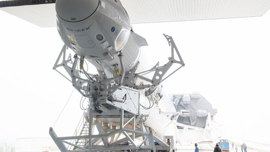 SpaceX Lança a sua Primeira Cápsula de Tripulação