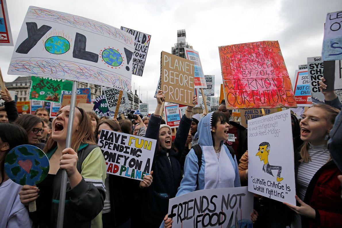 Jovens ativistas juntam-se aos eventos #FridaysForFuture e #YouthStrike4Climate