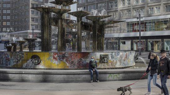 A Alexanderplatz, uma praça enorme no centro de Berlim, estava quase deserta no dia 21 de ...