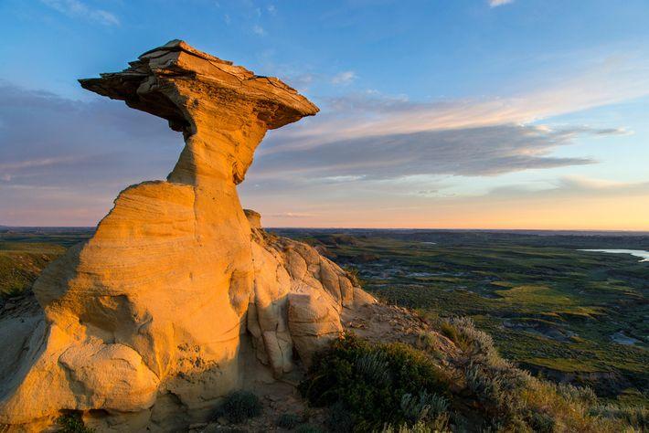 Camadas de rocha, no oeste dos EUA, conhecidas como Formação de Hell Creek