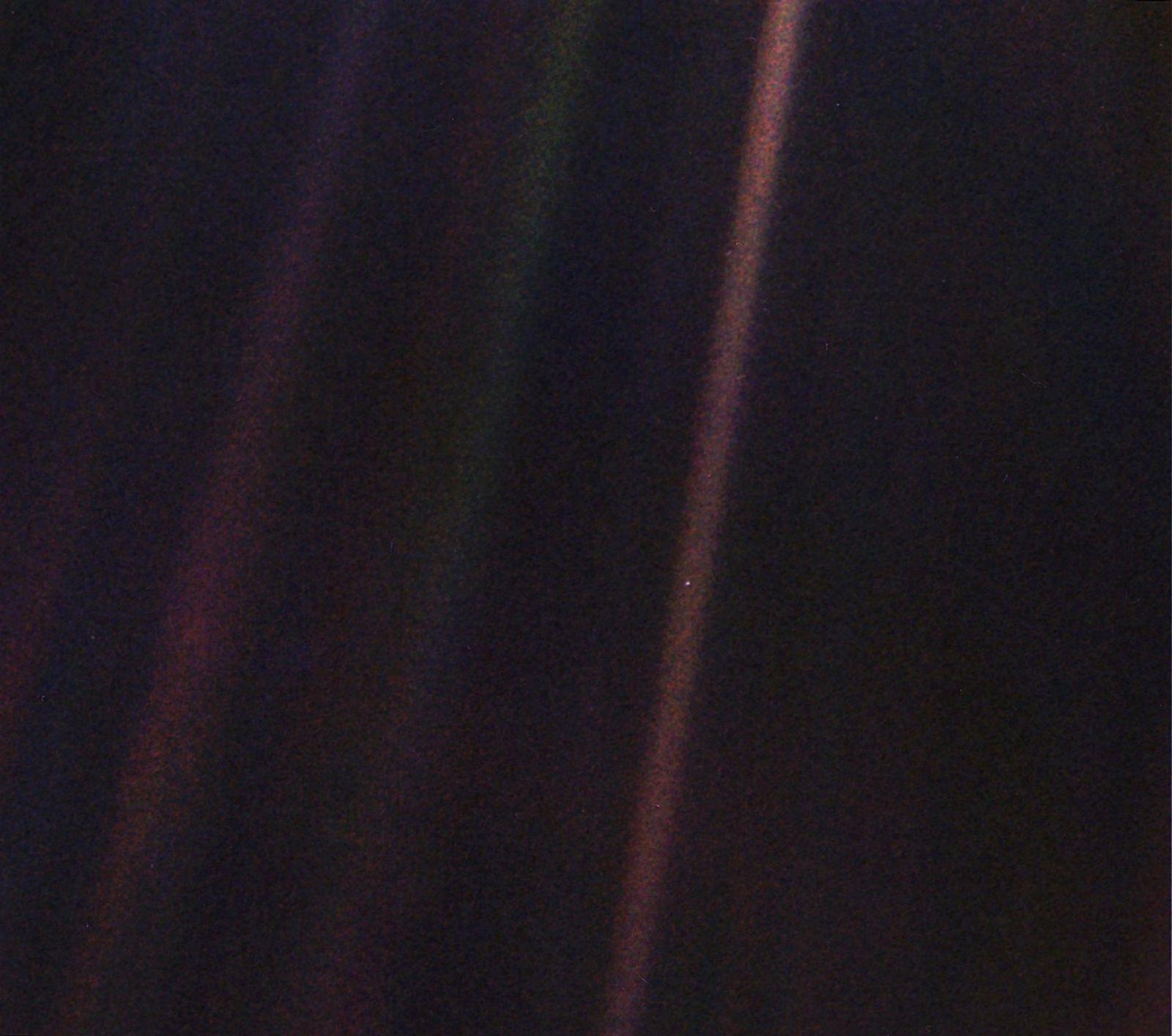 A Primeira Pessoa a ver a Imagem 'Pálido Ponto Azul' Ainda a tem Guardada