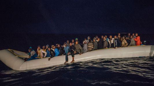 As Imagens dos Refugiados Resgatados no Mar Tempestuoso