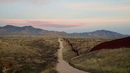 Muro fronteiriço entre os EUA e o México