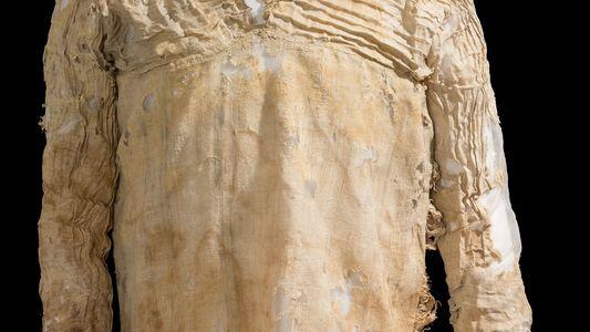 Veja o Vestido Mais Antigo do Mundo