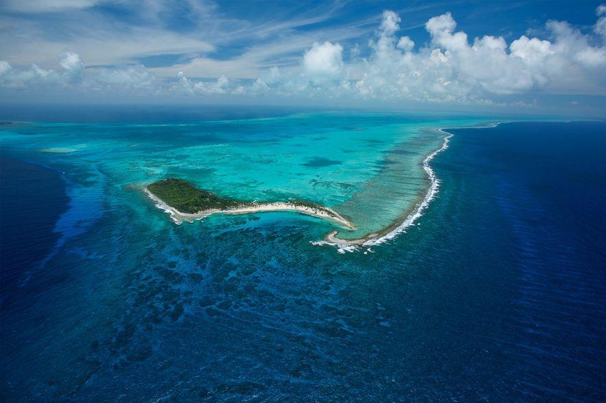 O Monumento Natural Half Moon Caye situa-se no meio da barreira de coral mesoamericana, que se ...