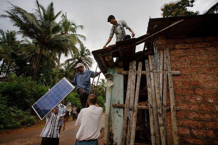 Painel fotovoltaico instalado na Índia