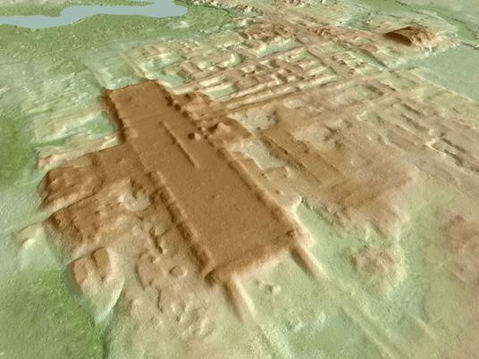 Complexo Cerimonial Enorme Com 3.000 Anos Descoberto 'À Vista de Todos'