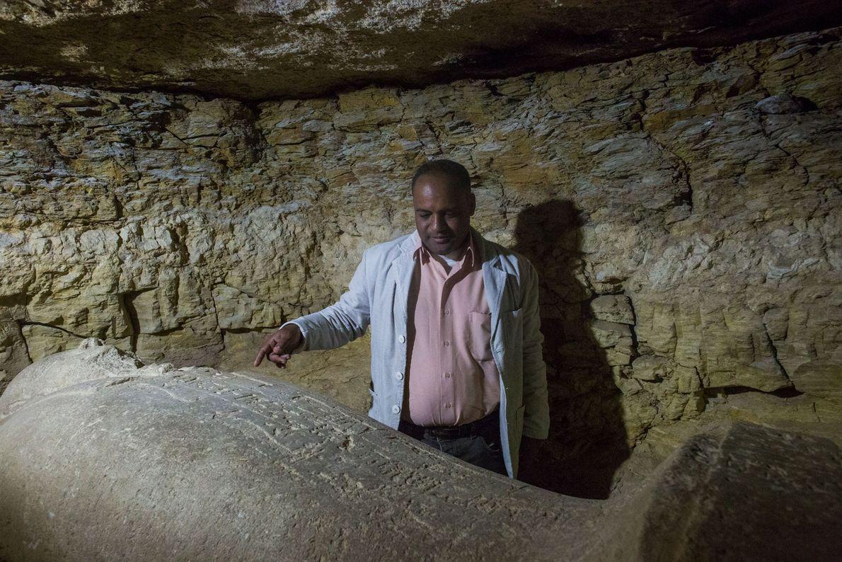 escavador egípcio sarcófago