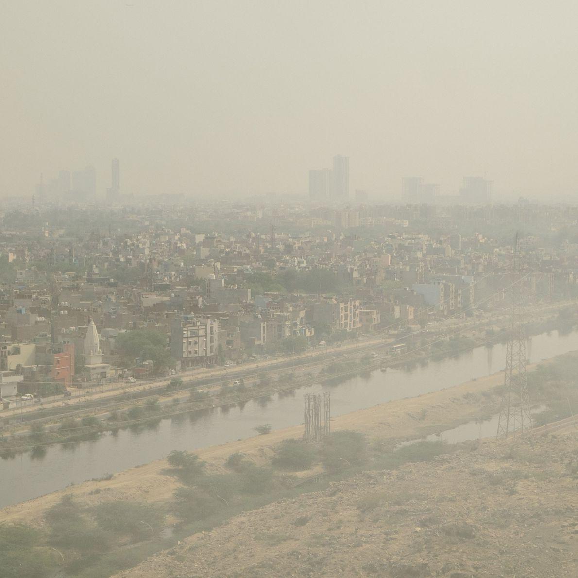 A lixeira a céu aberto de Ghazipur, situada em Nova Deli.