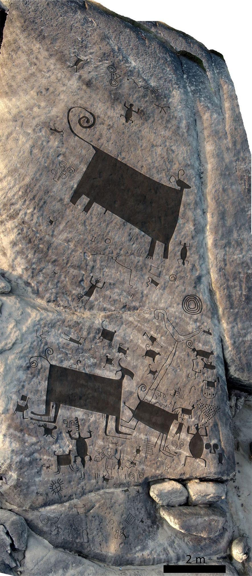 Perspetiva aérea da face este em Picure, com sobreposição interpretativa das principais gravuras. A escala surge ...