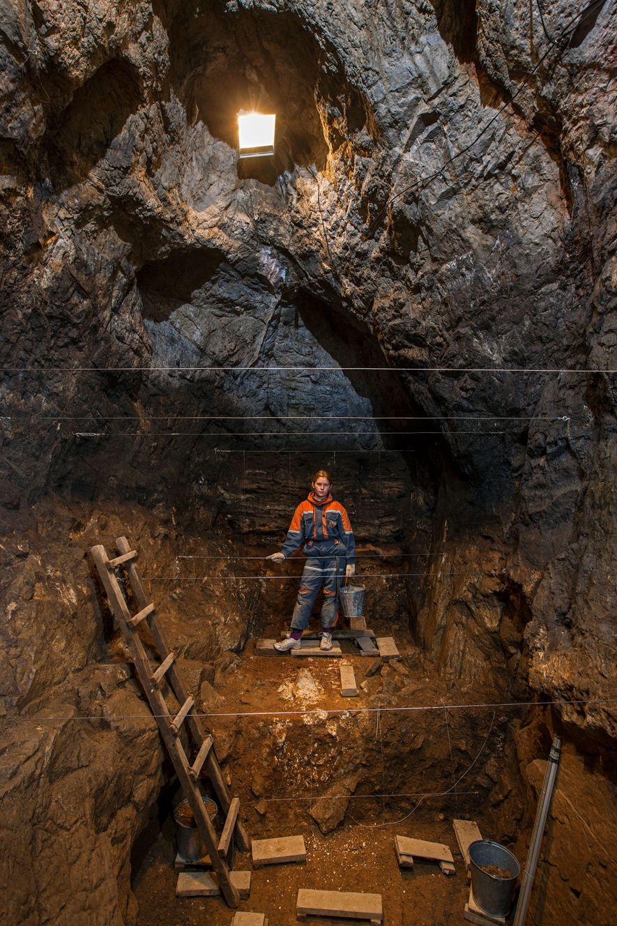 A gruta de Denisova, na Sibéria, é o único local conhecido que acolhe vestígios do homem ...