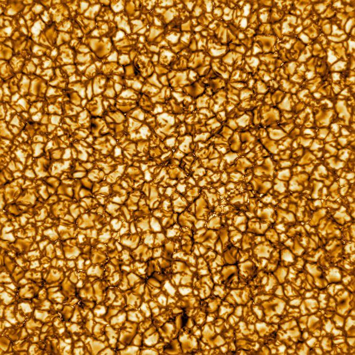 Esta imagem, captada pelo Telescópio Solar Daniel K. Inouye, divulgada em fevereiro de 2020, é a ...