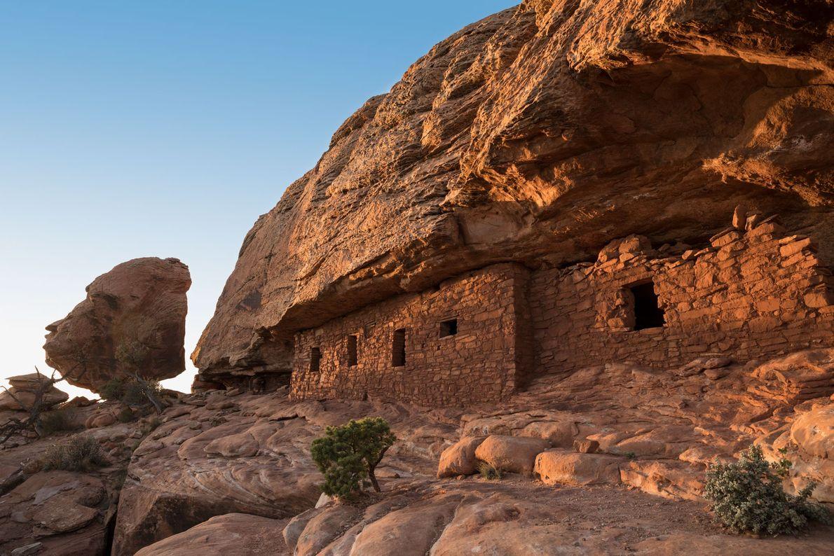 A ferramenta de tatuagem foi fabricada pelos Anasazi, um povo que vivia em locais como Cedar ...