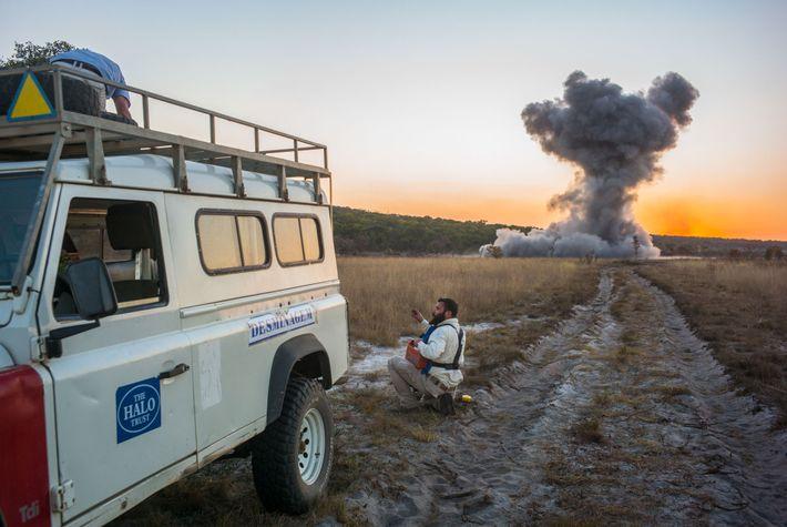 Angola viu as suas terras fortemente minadas durante as décadas de guerra civil. Agora, o governo ...