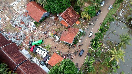 """Porque É Que o """"Vulcão Tsunami"""" da Indonésia Quase Não Deu Aviso"""