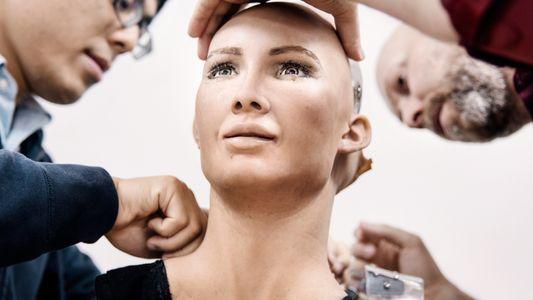 Fotografias da Sophia, um Robô Quase Humano