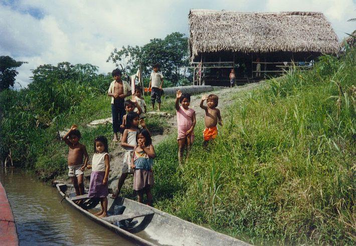 Fotografia de crianças na Amazónia