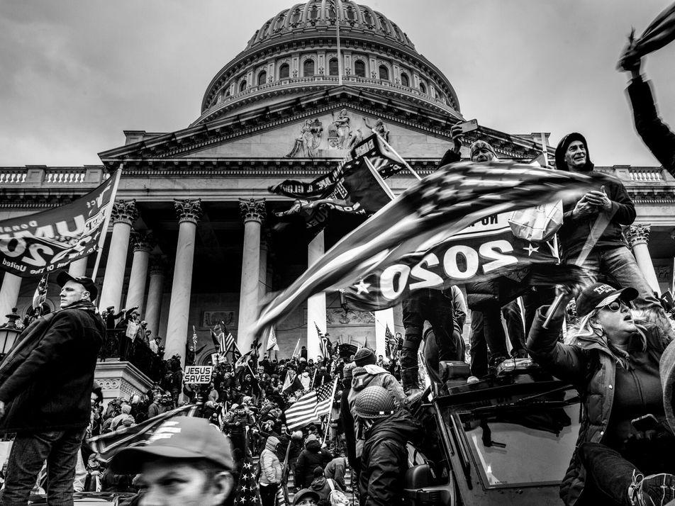 Um Dia Histórico em Imagens: de uma Insurreição pró-Trump à Vitória de Biden Selada Antes do ...