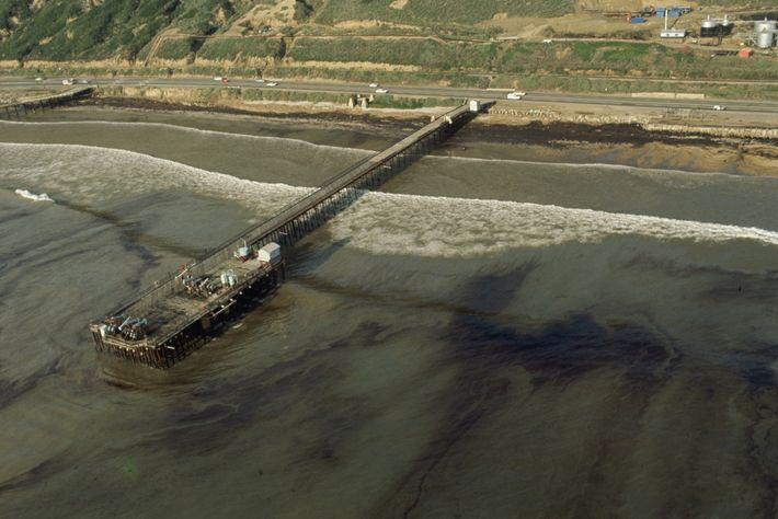 Em janeiro de 1969, um dos poços de uma plataforma de perfuração da Union Oil explodiu ...