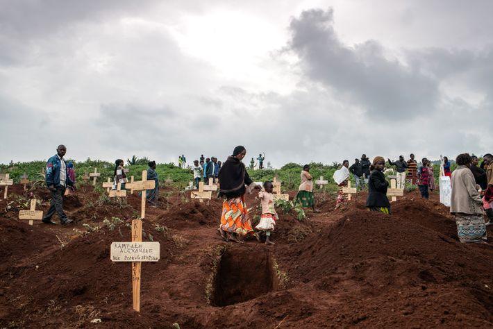 No dia 2 de março de 2019, em Butembo, na RDC, um céu carregado de nuvens ...