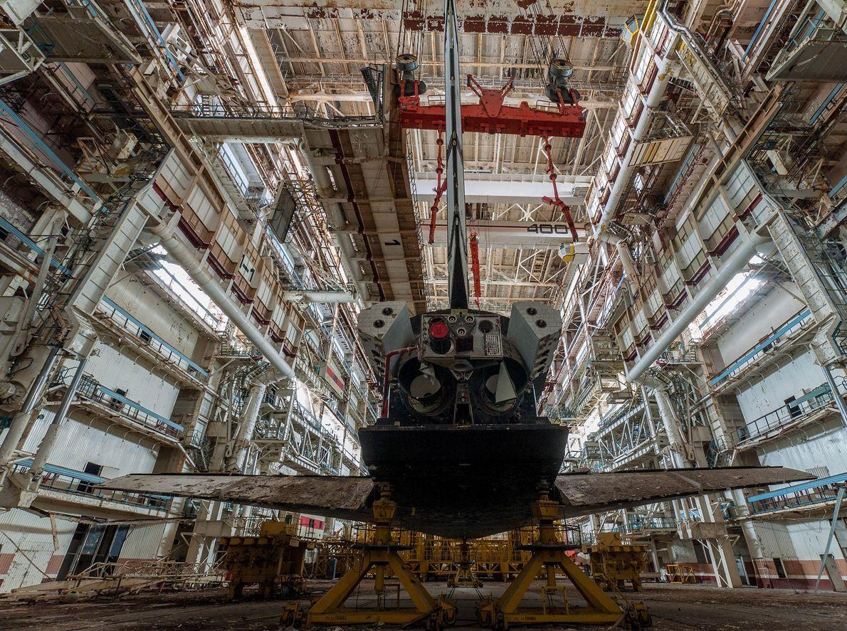 Fotografia da parte traseira de uma nave espacial Russa