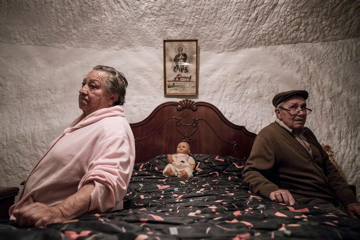 Piedad Mezco e Antonio Ortiz viveram uma vida inteira nas grutas de Guadix. Nasceram no interior ...