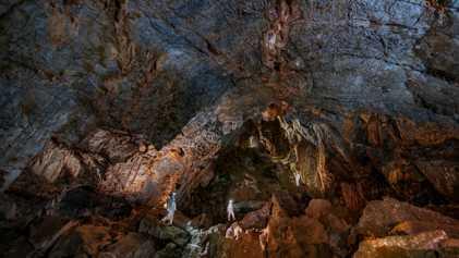 Descoberta Surpreendente em Caverna Pode Colocar a Presença de Humanos nas Américas Há 30 Mil Anos