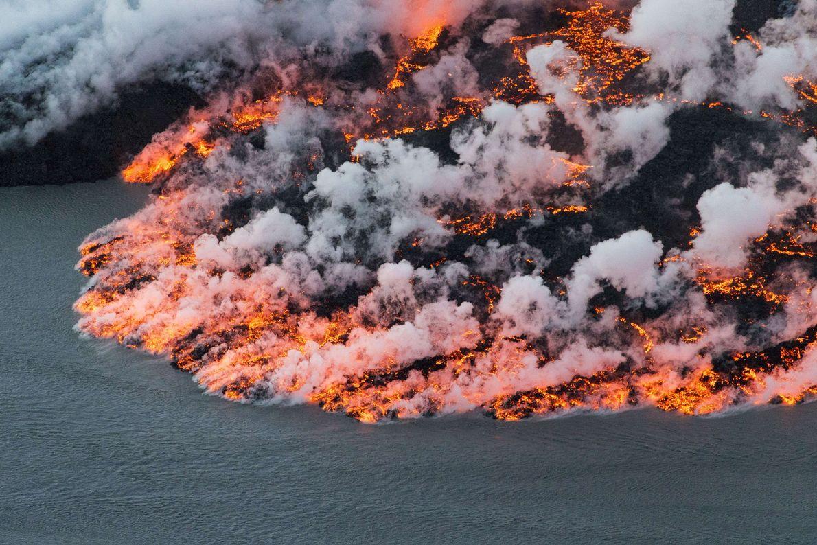 O vulcão Bárðarbunga, na Islândia, está numa zona de extremos: a sua cratera central está enterrada ...