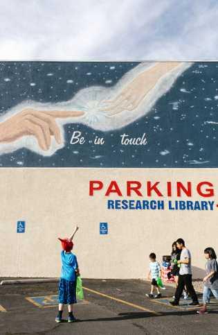 Em Roswell, no Novo México, o Museu e Centro de Investigação de OVNIS tem cerca de ...