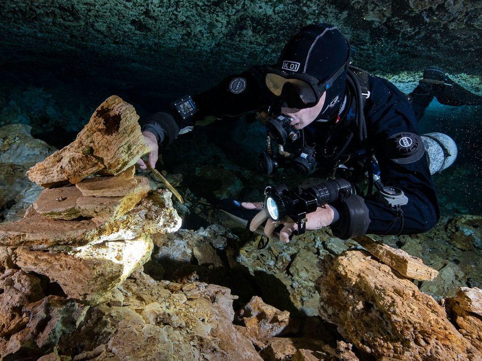Mina com 11 Mil Anos em Caverna Submersa Surpreende Arqueólogos