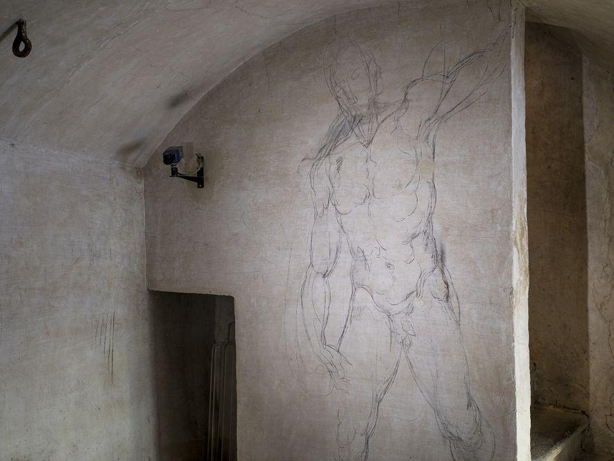 ASCENSÃO Um esboço de uma forma masculina tem ecos num desenho a giz, feito mais tarde, da Ressurreição de Cristo.